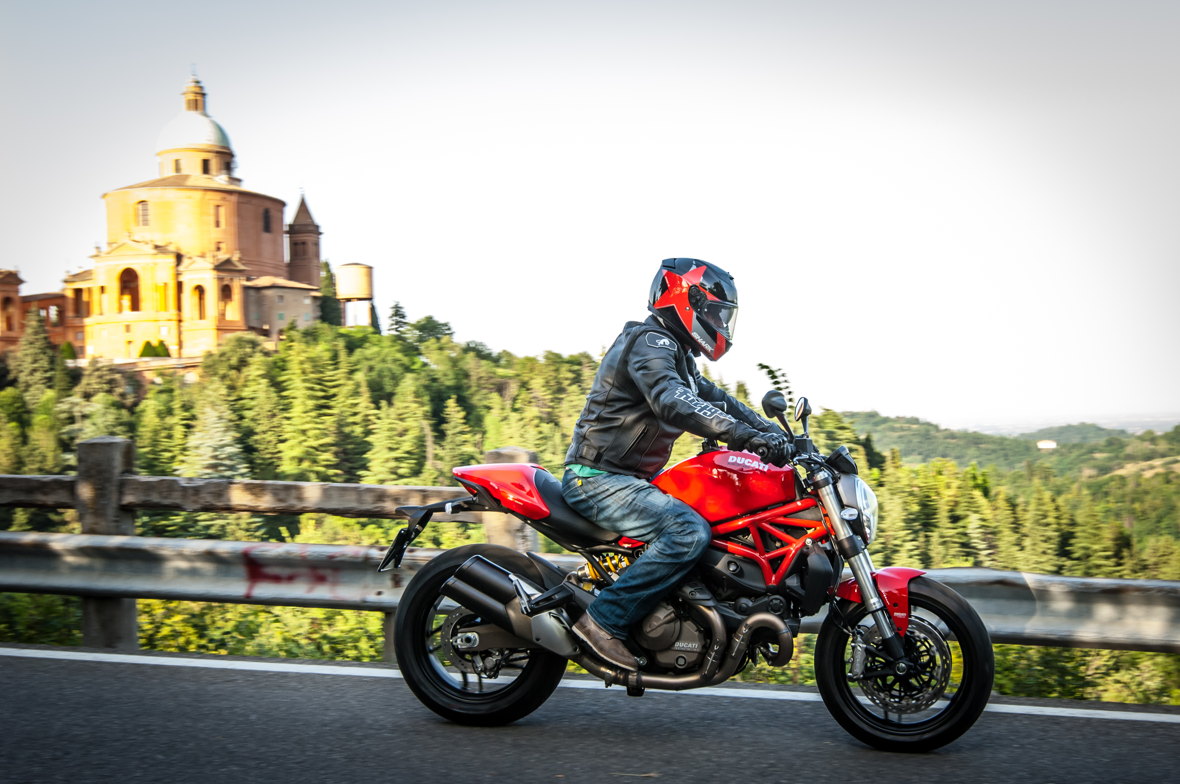 Ducati Monster 821 >> First ride: Ducati Monster 821 review | Visordown