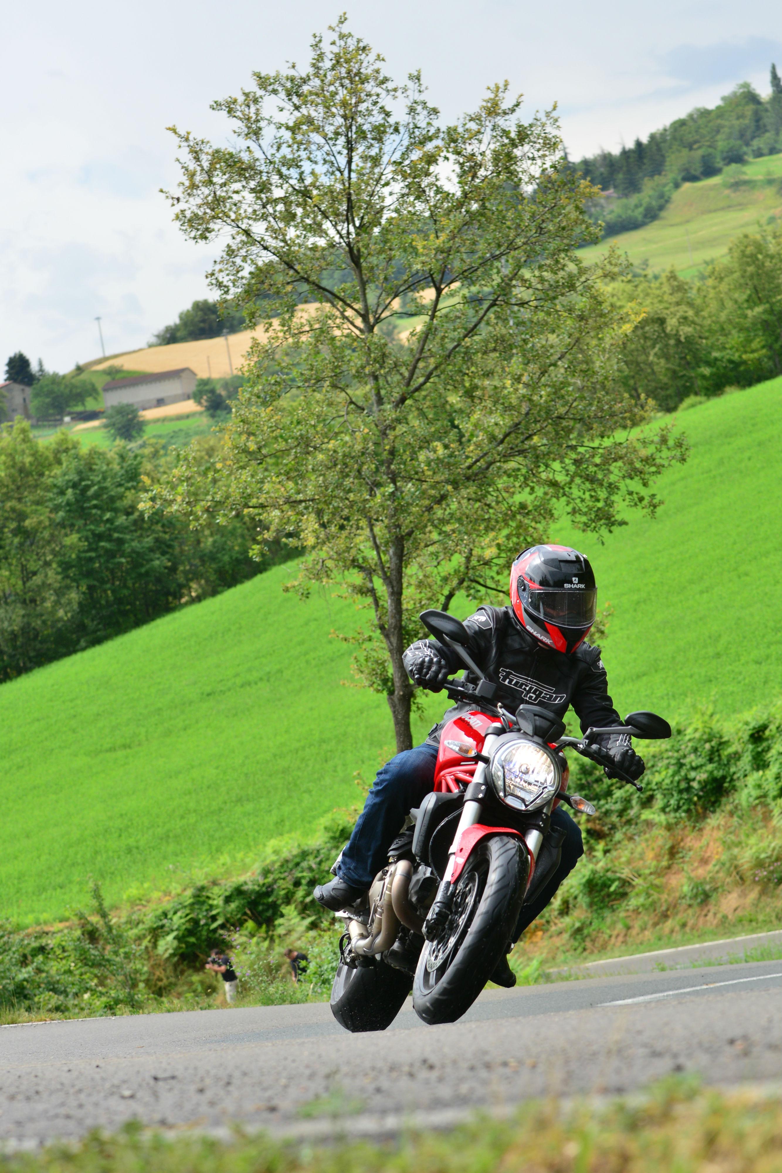 First Ride Ducati Monster 821 Review Visordown
