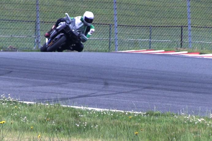 Video: Kawasaki Ninja H2R tested on track