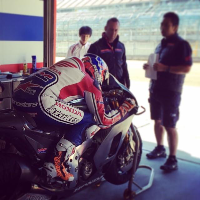 Stoner tests 2015 Honda RC213V