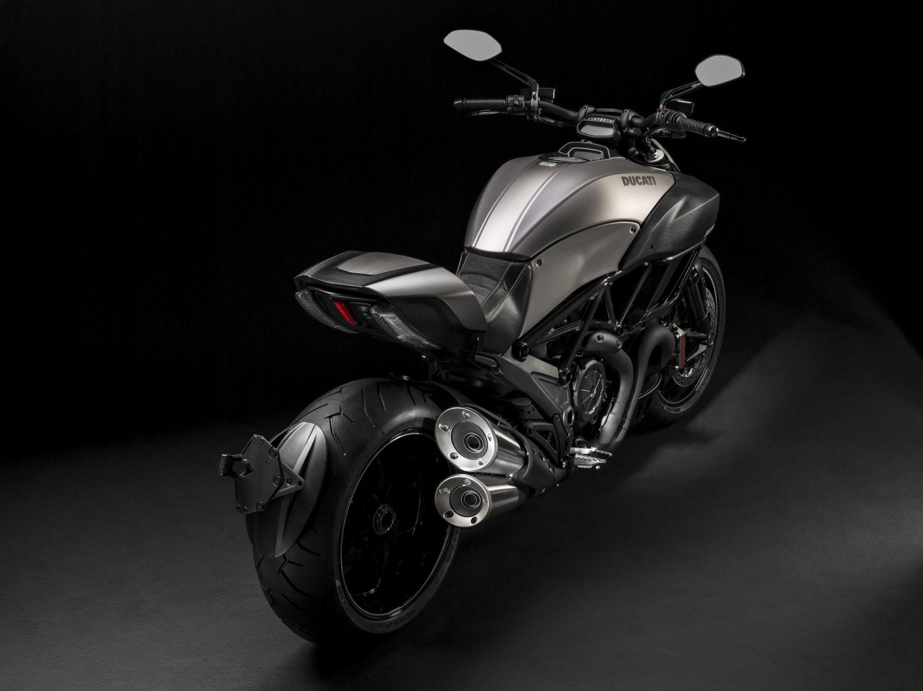 Ducati Diavel Titanium unveiled at Eicma