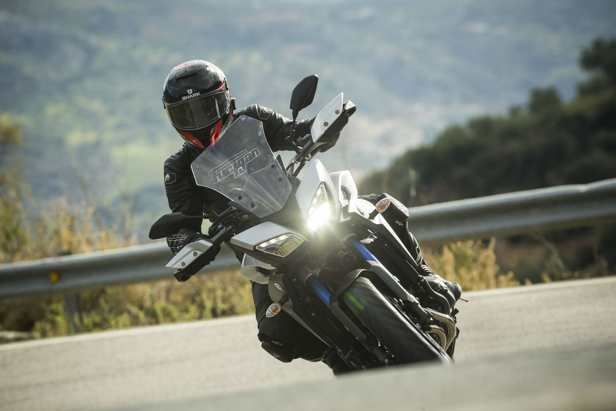 First Ride Yamaha Mt 09 Tracer Review Visordown