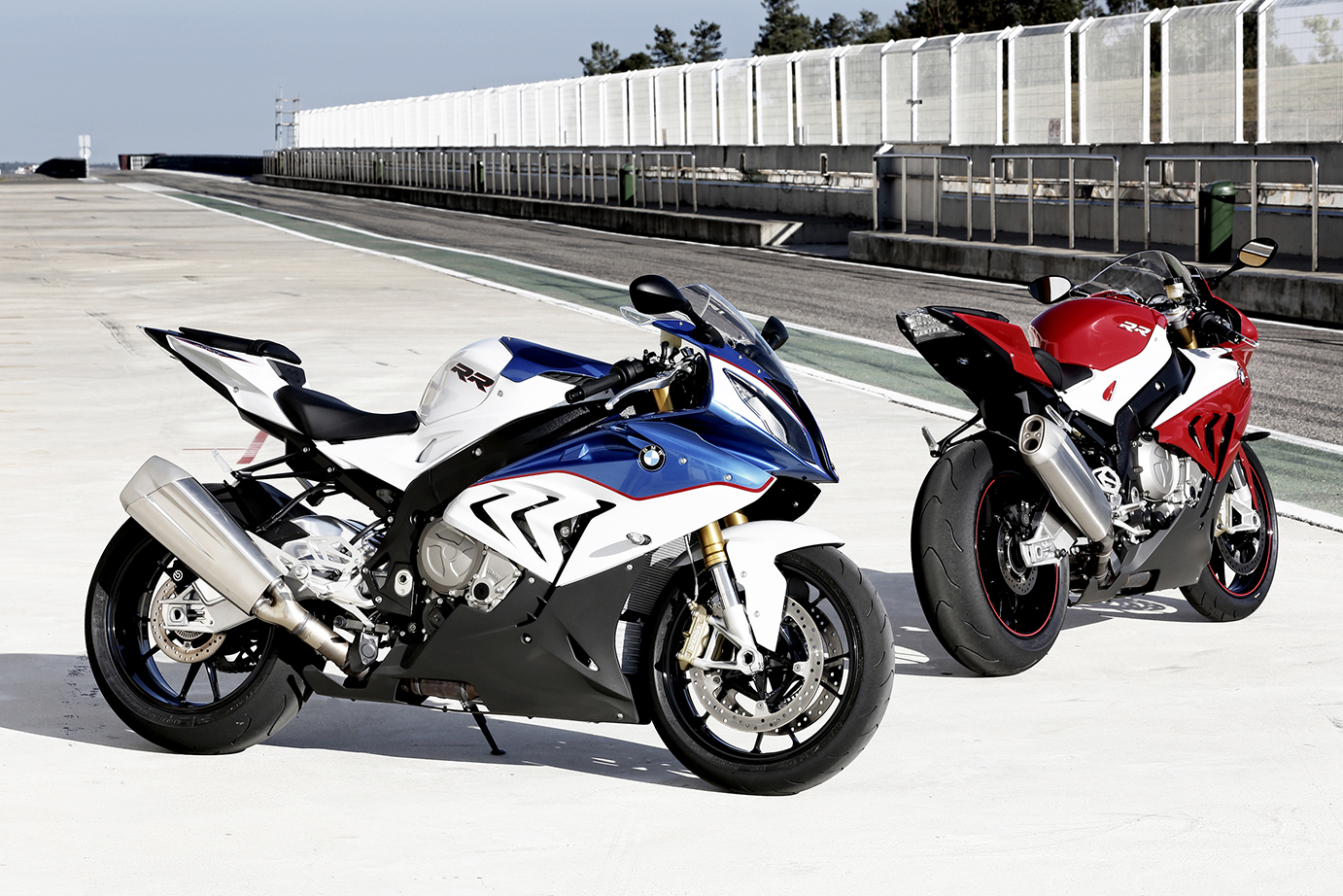 First Ride Bmw S1000rr Review Visordown