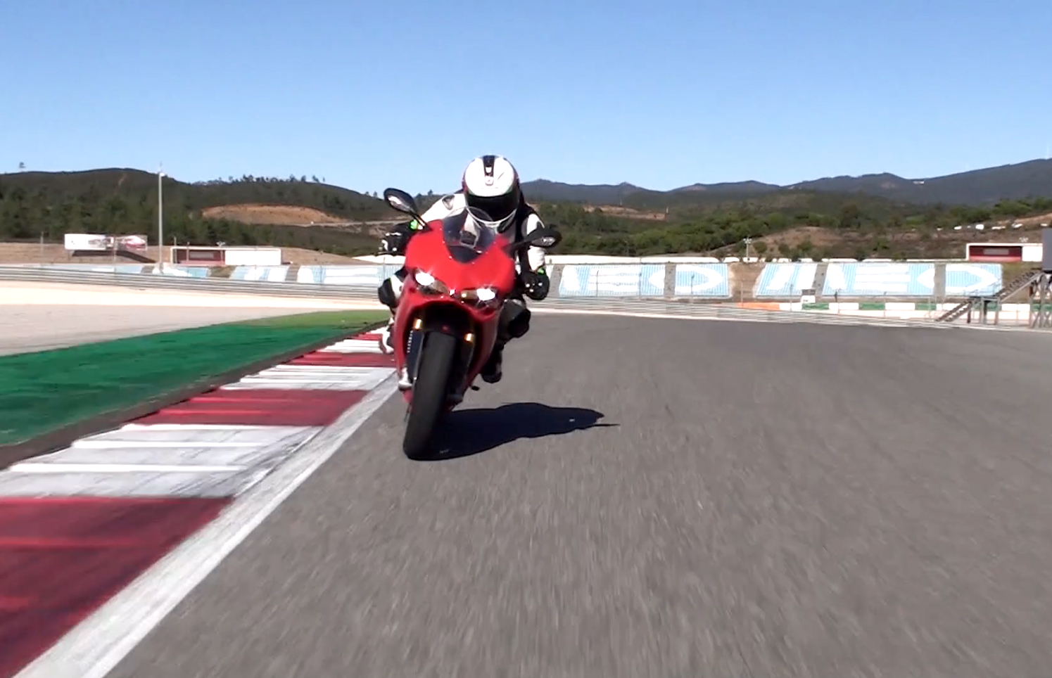 Video: Ducati 1299 Panigale S review