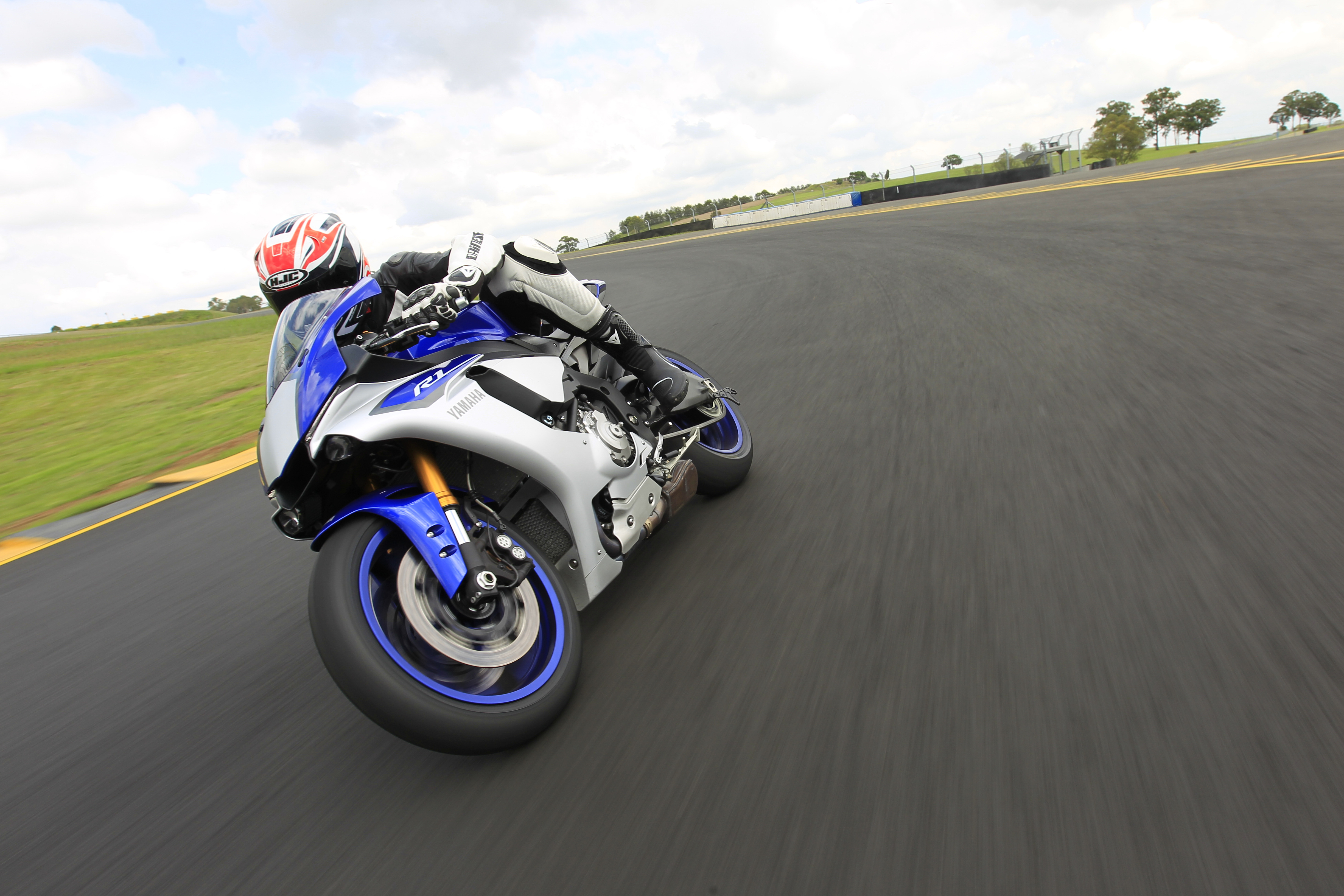First ride yamaha r1 and r1m review visordown first ride yamaha r1 and r1m review publicscrutiny Images