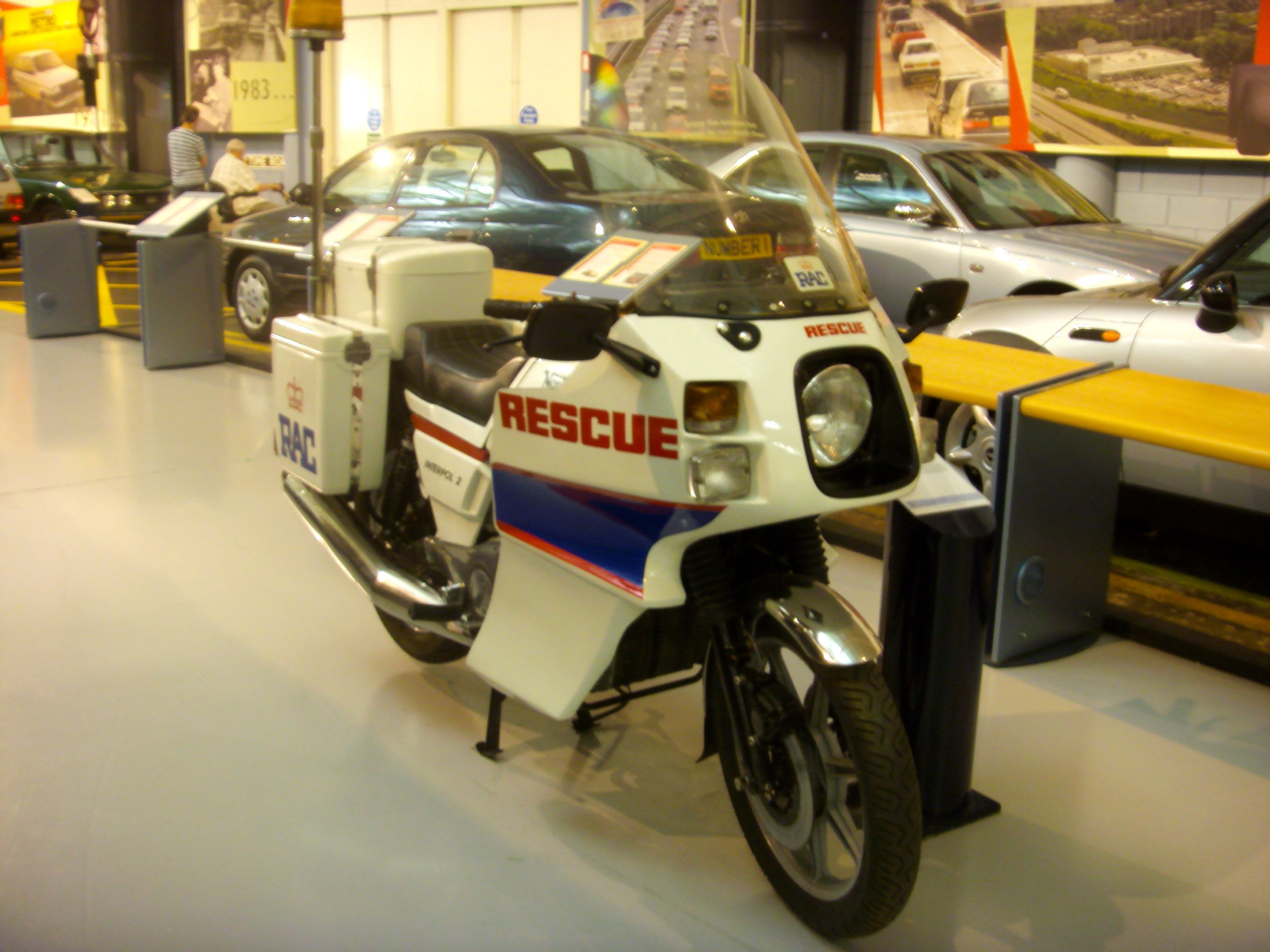 If that fairing looks familiar it s because it was borrowed from the bmw r100rt that was the favoured cop bike of the day