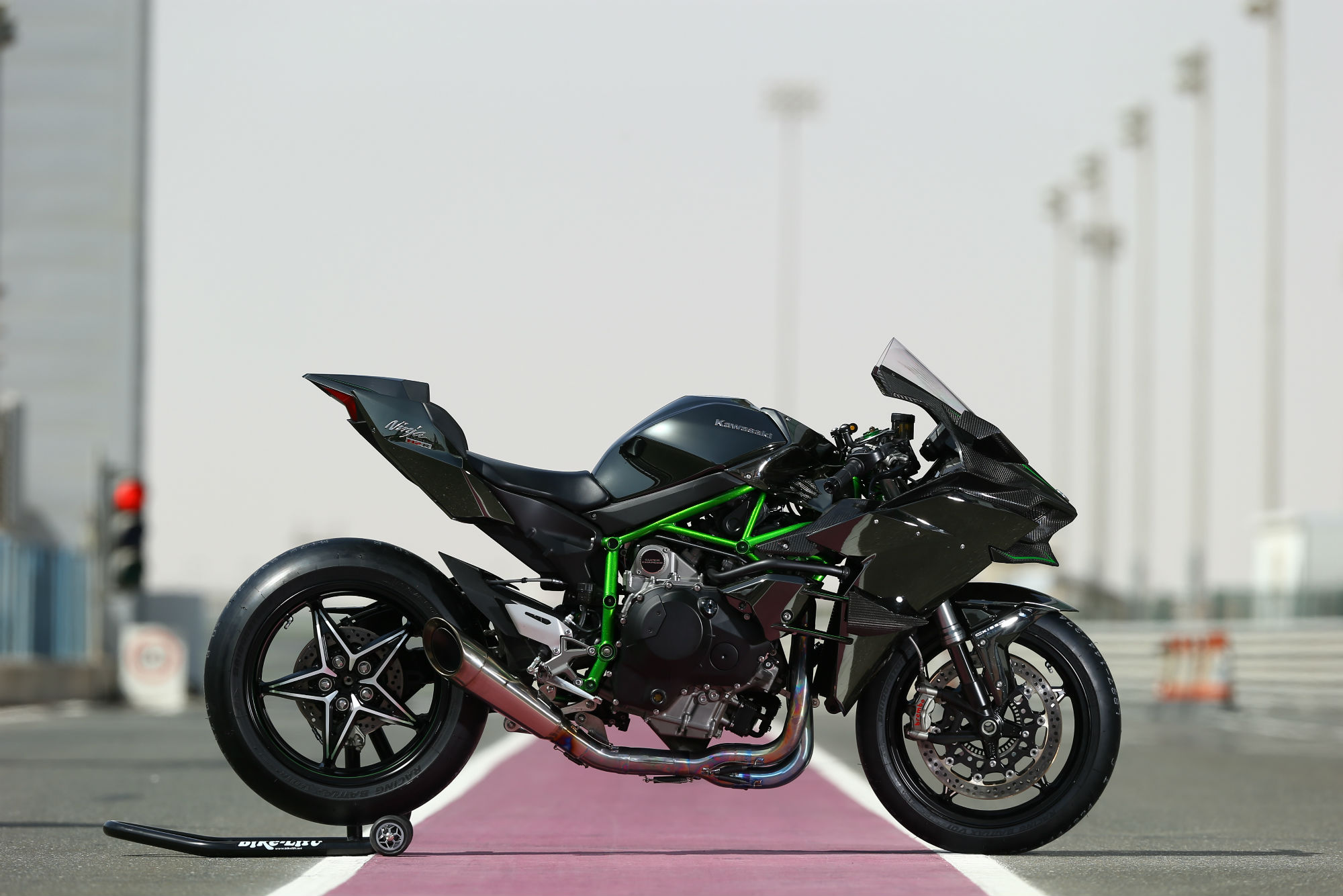 First ride: Kawasaki Ninja H2 and H2R review