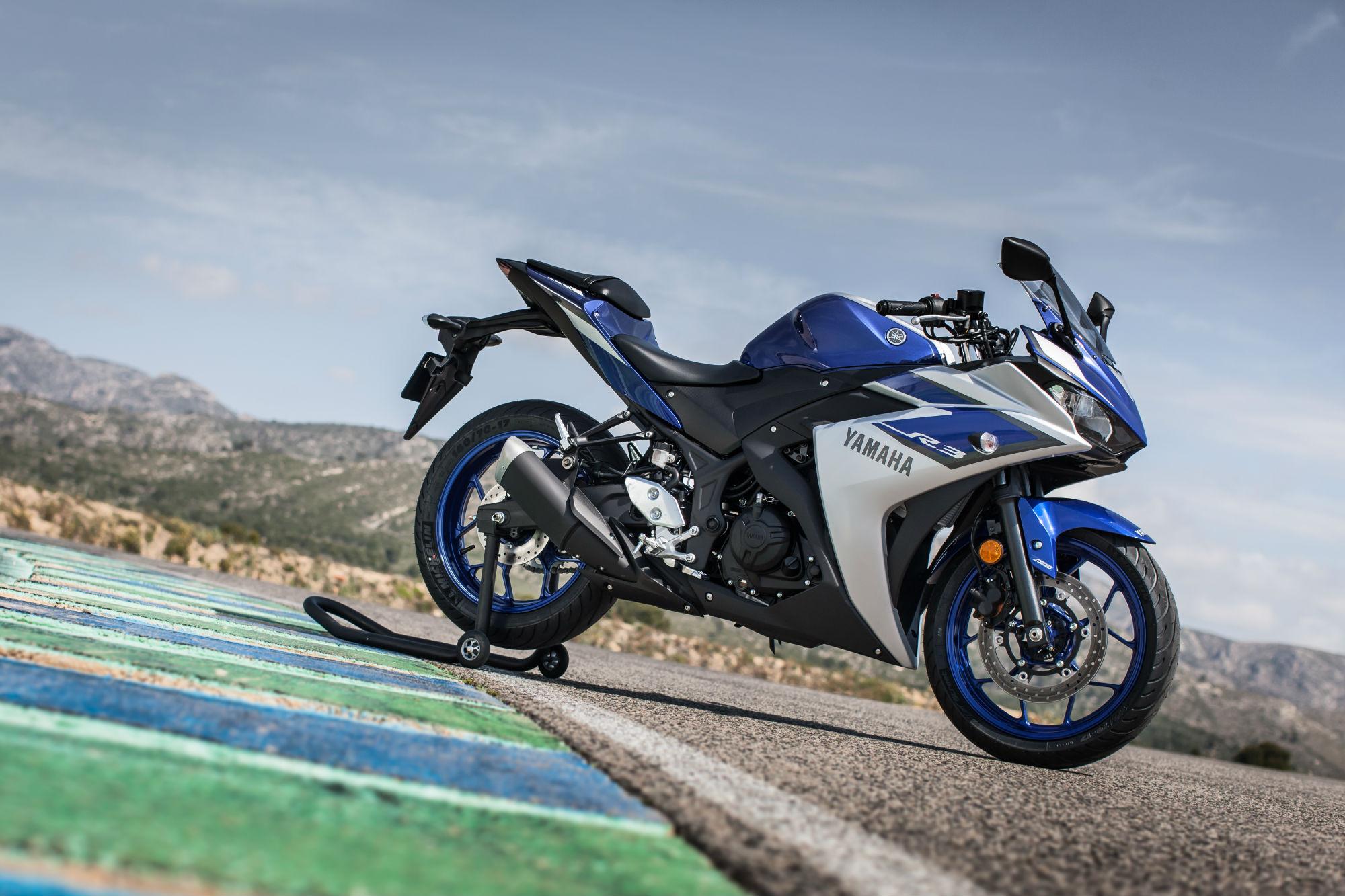 First ride yamaha r3 review visordown for Yamaha r3 price