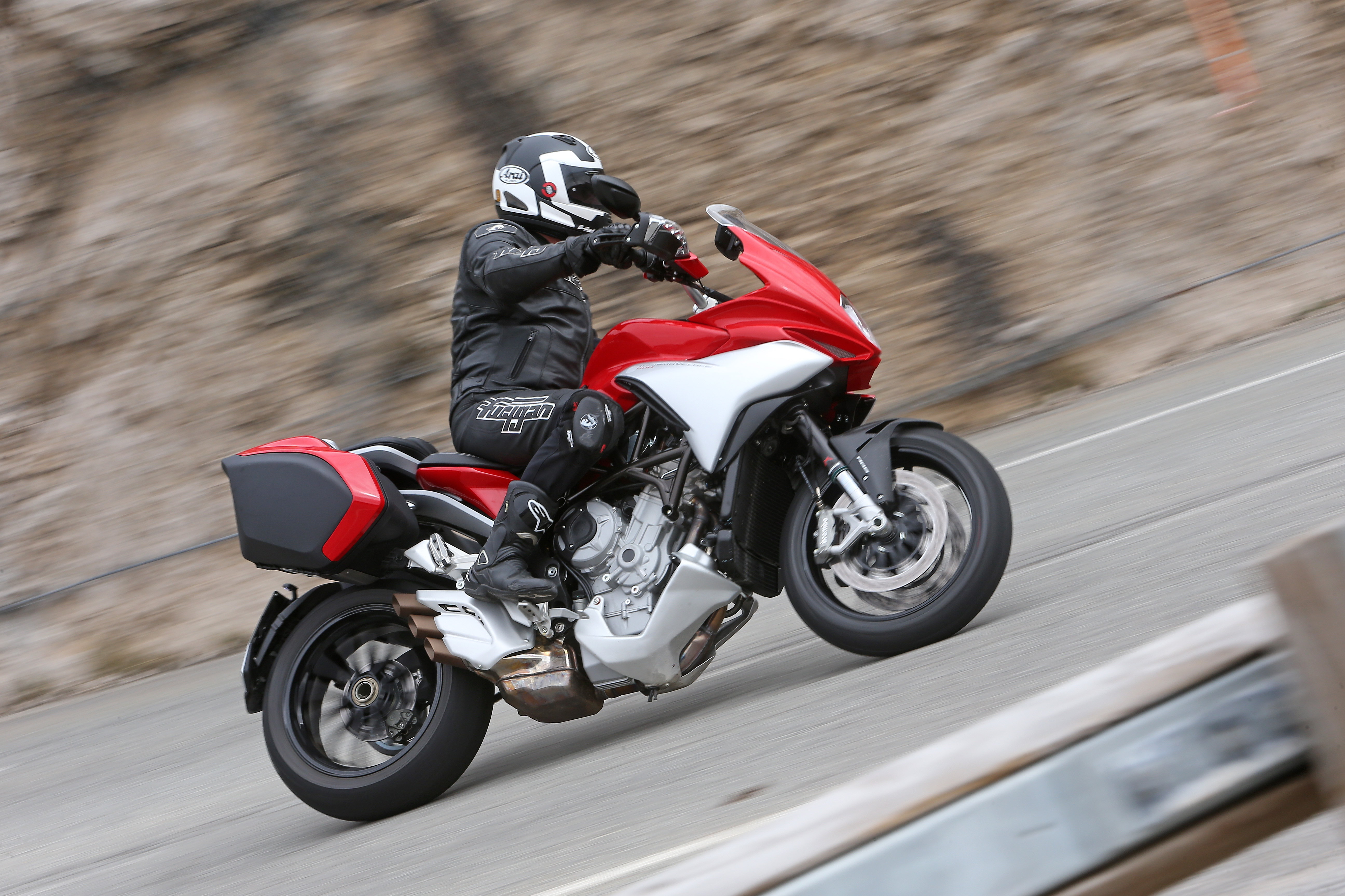 first ride: mv agusta turismo veloce 800 | visordown