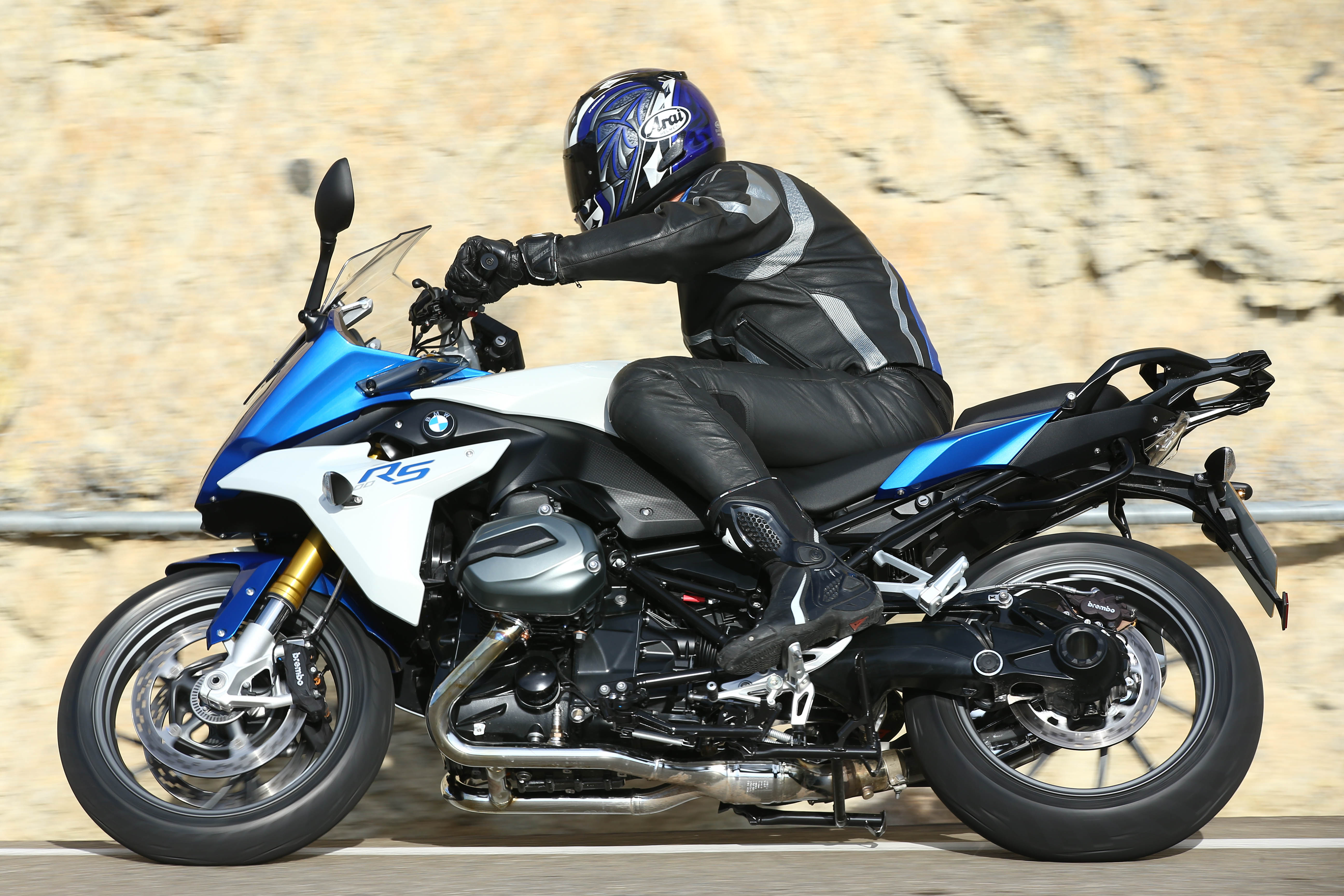 first ride bmw r1200rs review visordown. Black Bedroom Furniture Sets. Home Design Ideas