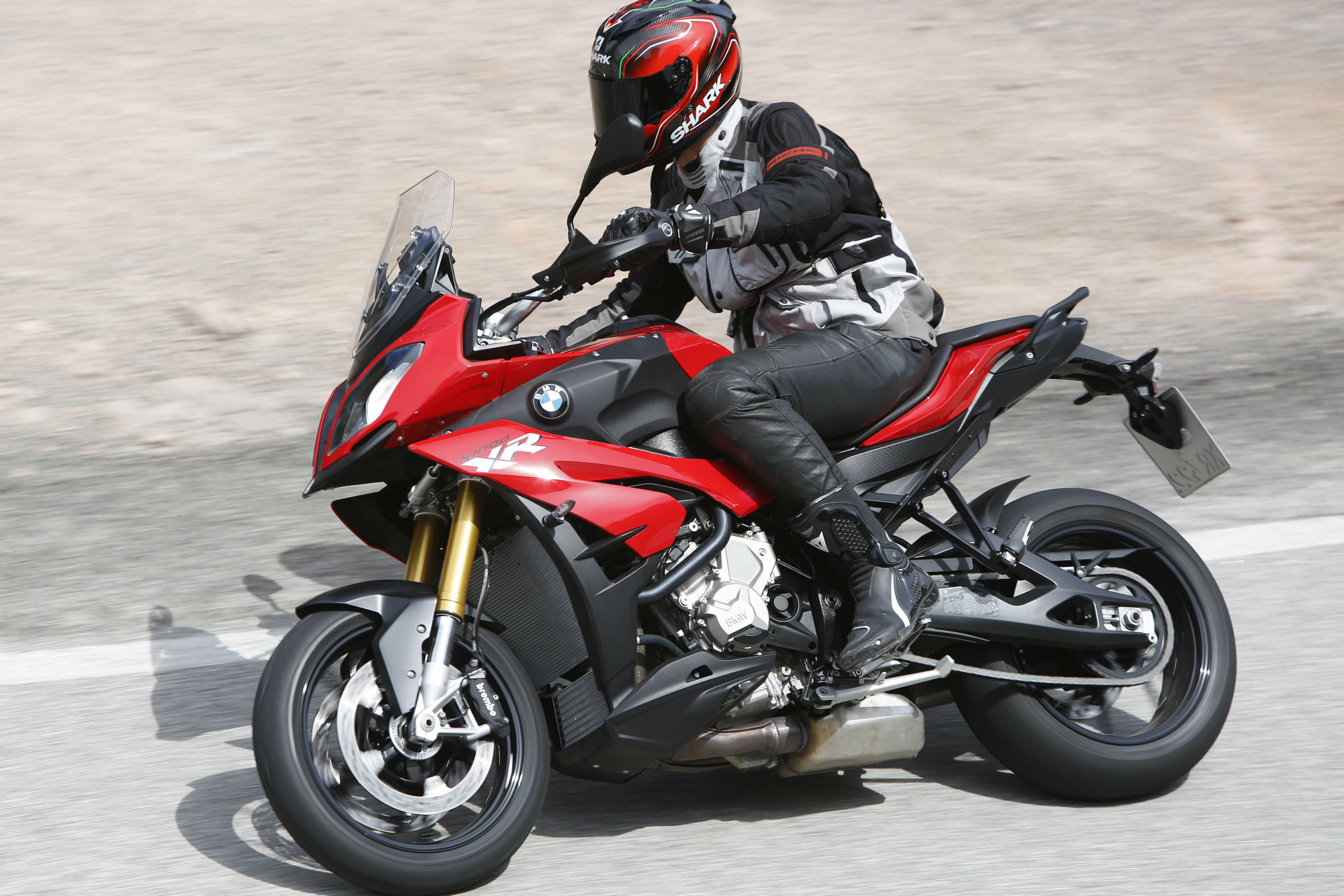 first ride bmw s1000xr review visordown. Black Bedroom Furniture Sets. Home Design Ideas