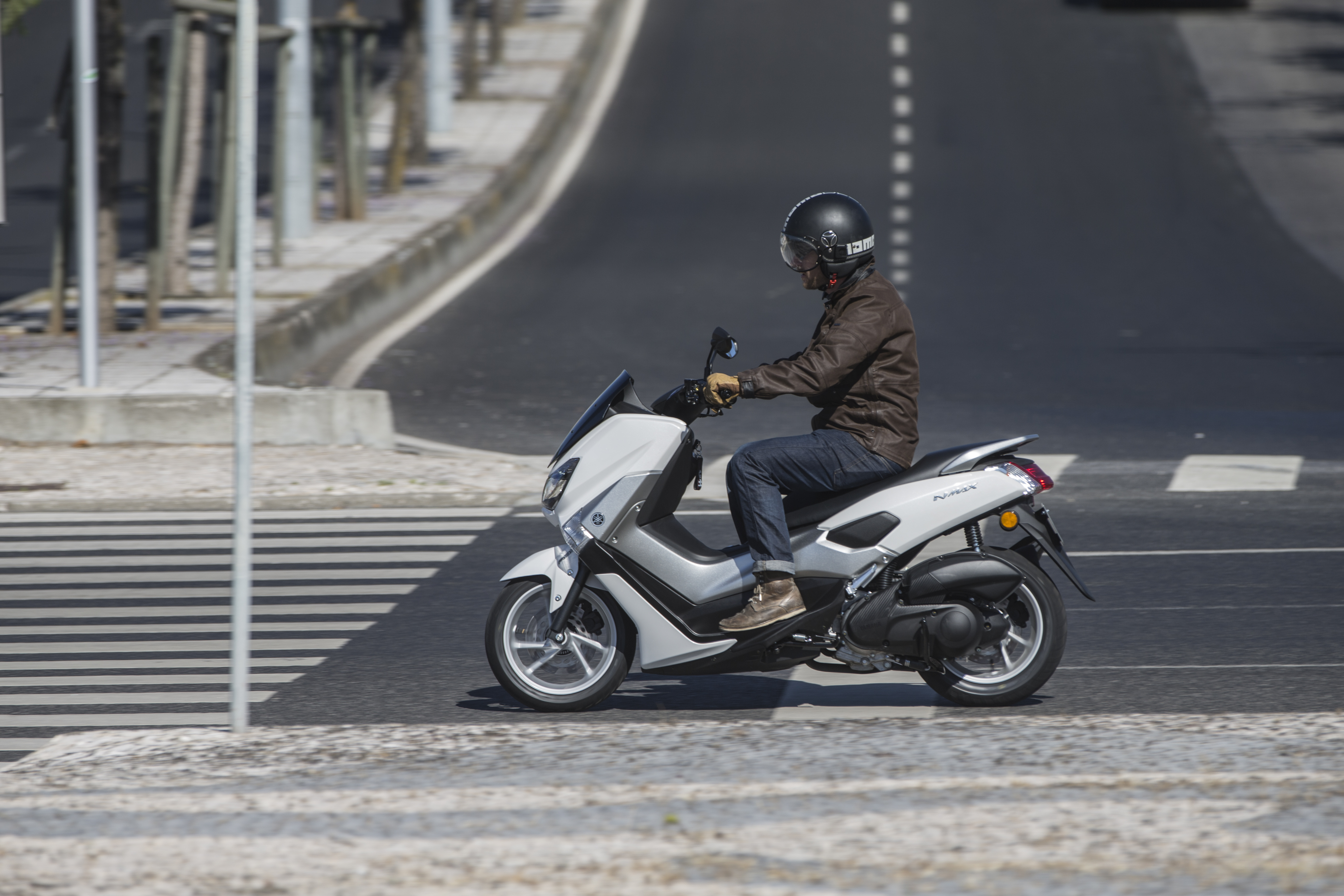 First Ride Yamaha Nmax 125 Review Visordown