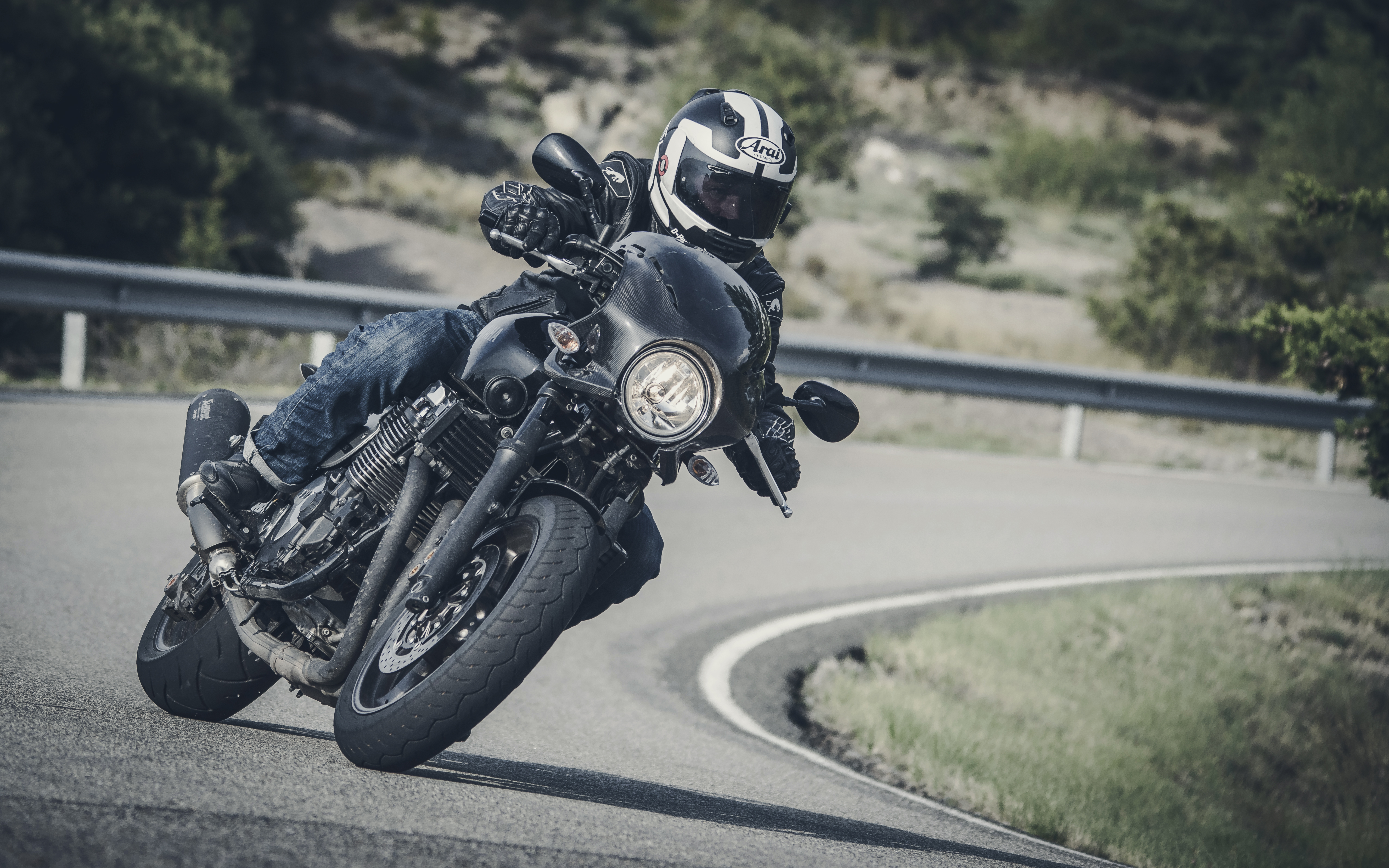 First ride: Yamaha XJR1300 Racer review