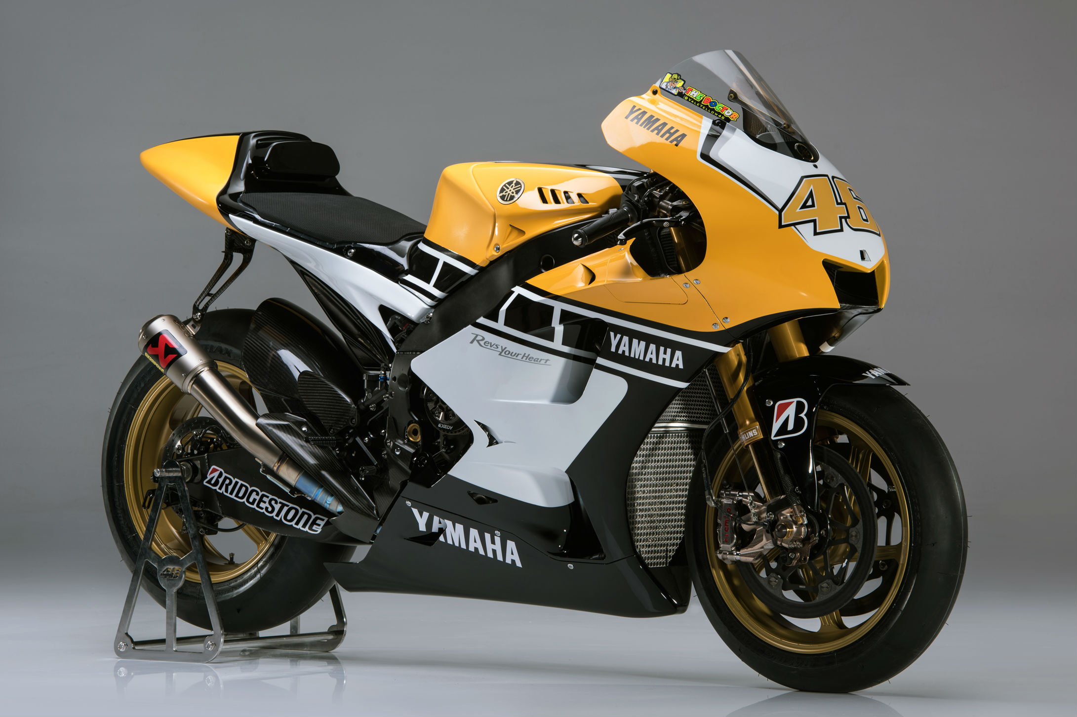 A closer look at rossi s goodwood m1 visordown for Yamaha m1 for sale