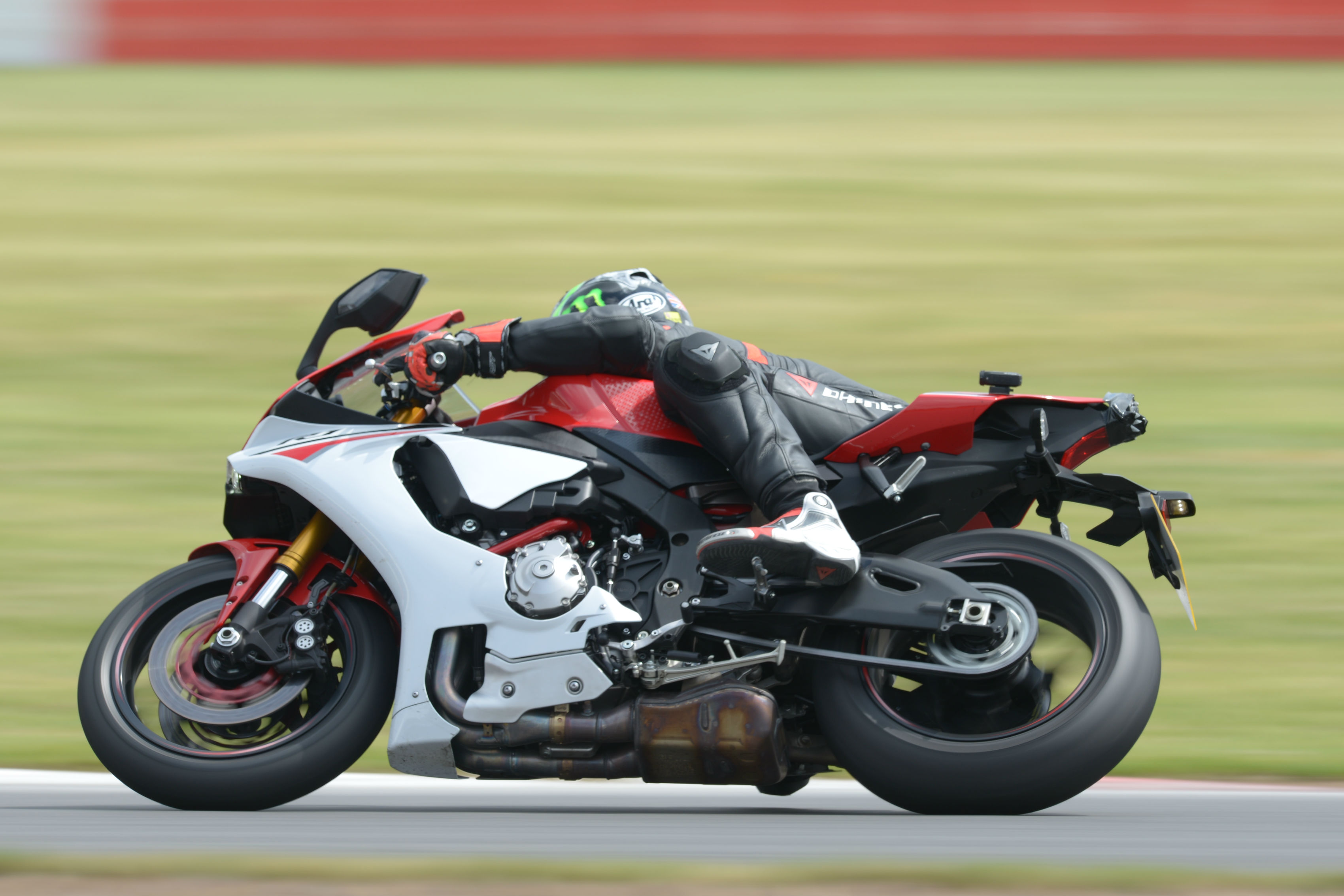 Back-to-back test: Yamaha R1 vs Ducati 1299 Panigale S review