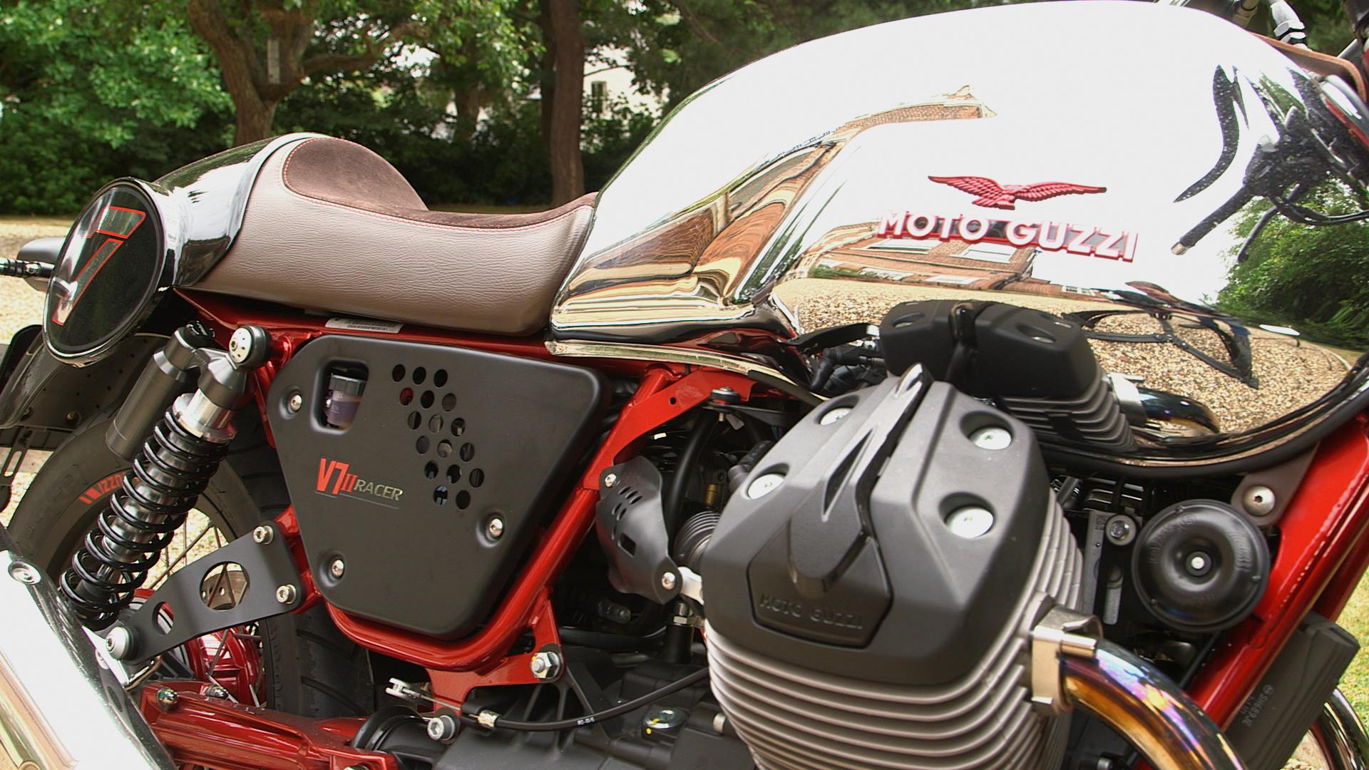 first ride moto guzzi v7 ii racer visordown. Black Bedroom Furniture Sets. Home Design Ideas