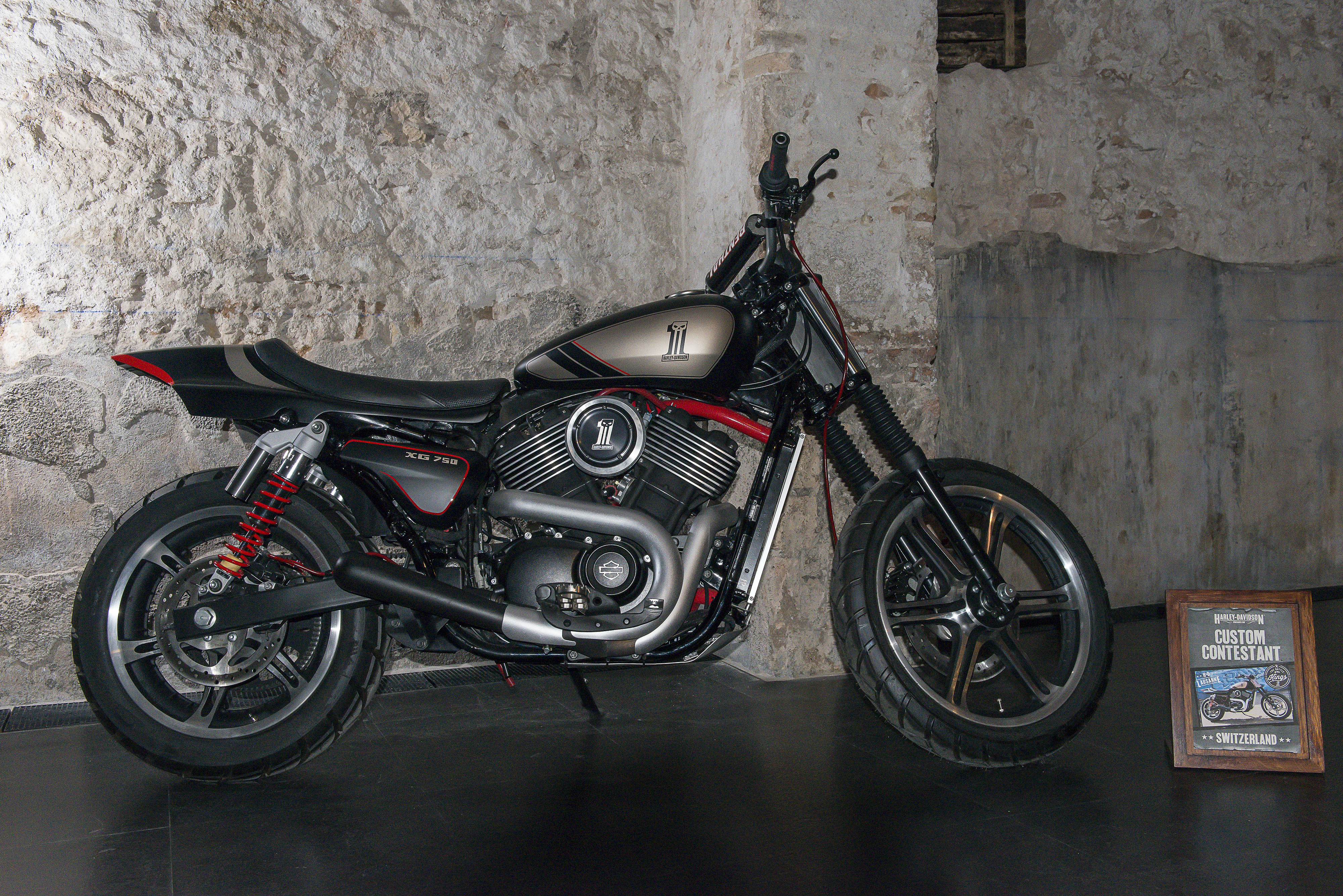 Harley Davidson: First Ride: Harley-Davidson Street 750 R...
