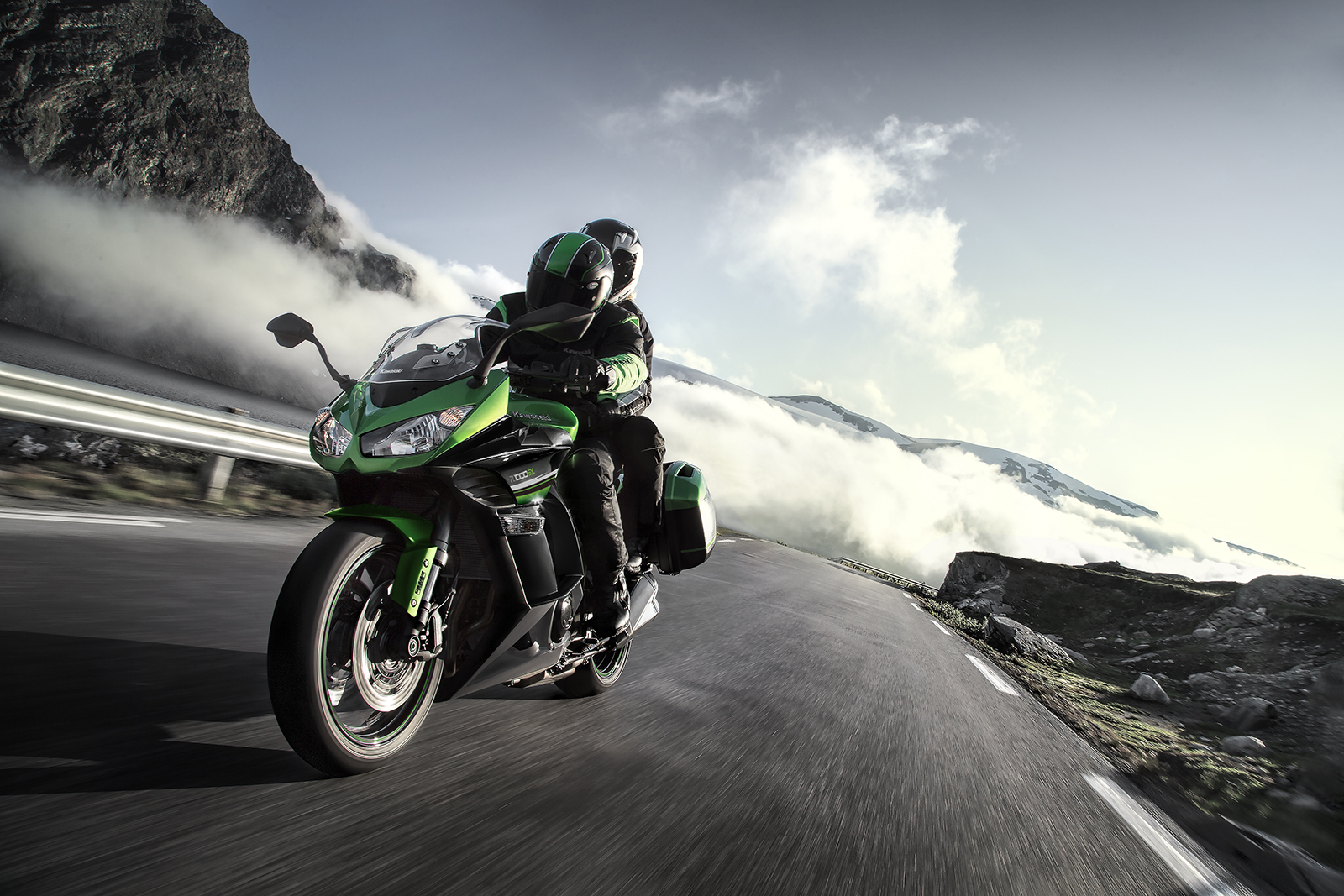 Kawasaki Z1000SX gets slipper clutch and standard ABS for 2016