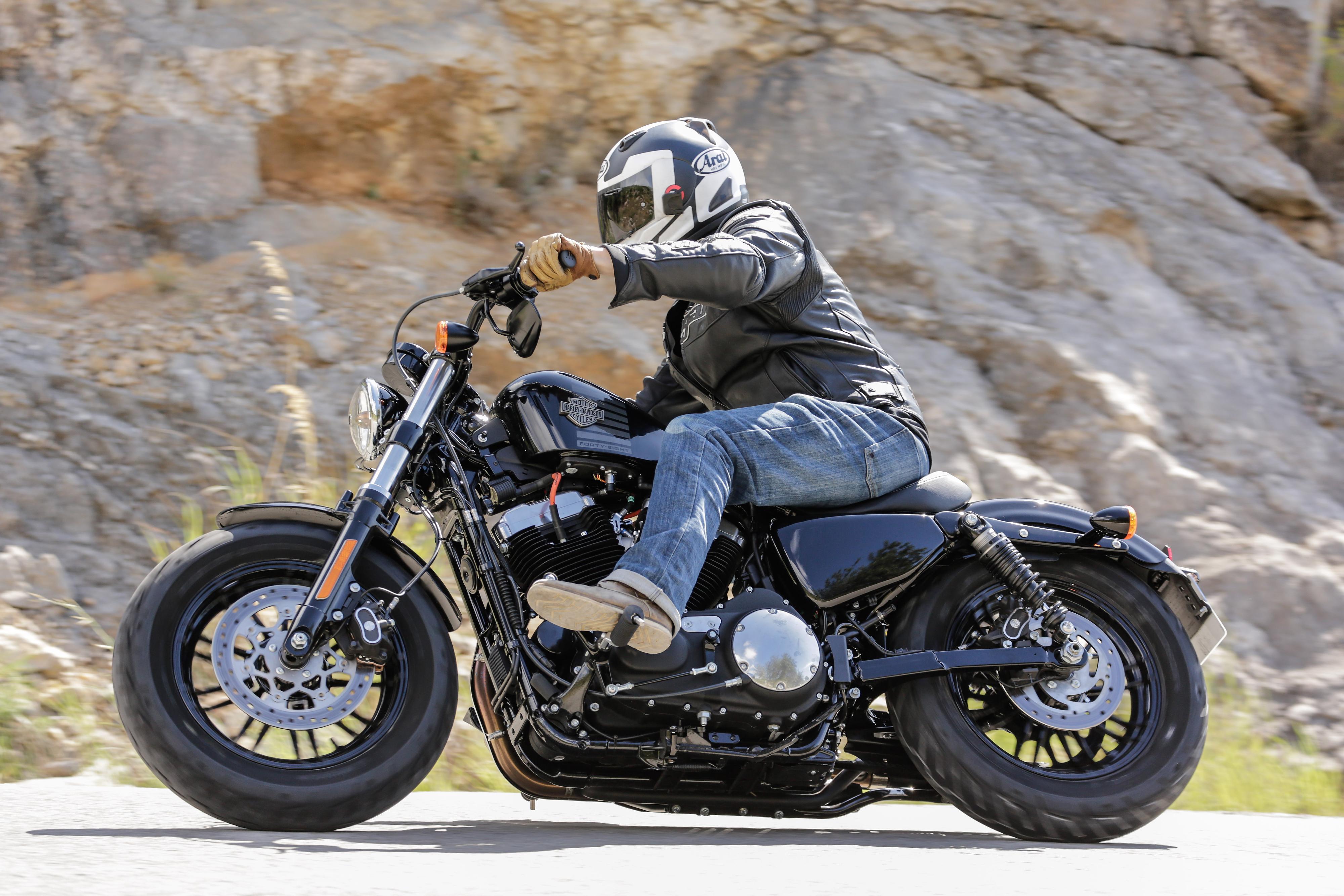 First ride: Harley-Davidson Sportster Fo... | Visordown