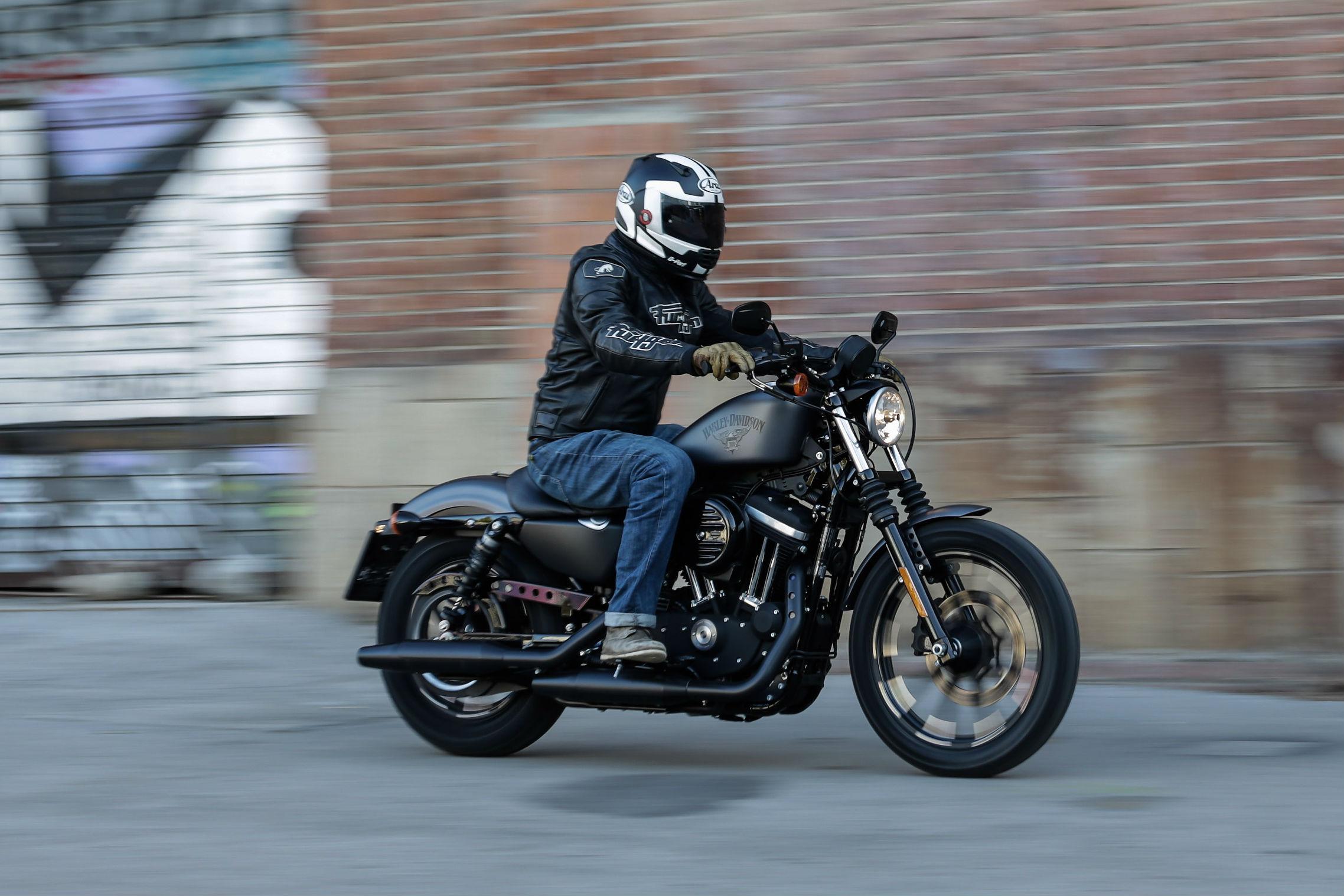 first ride harley davidson sportster ir visordown. Black Bedroom Furniture Sets. Home Design Ideas