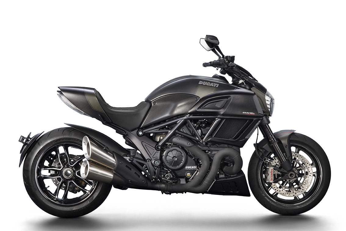 Ducati Diavel Carbon updated for 2016
