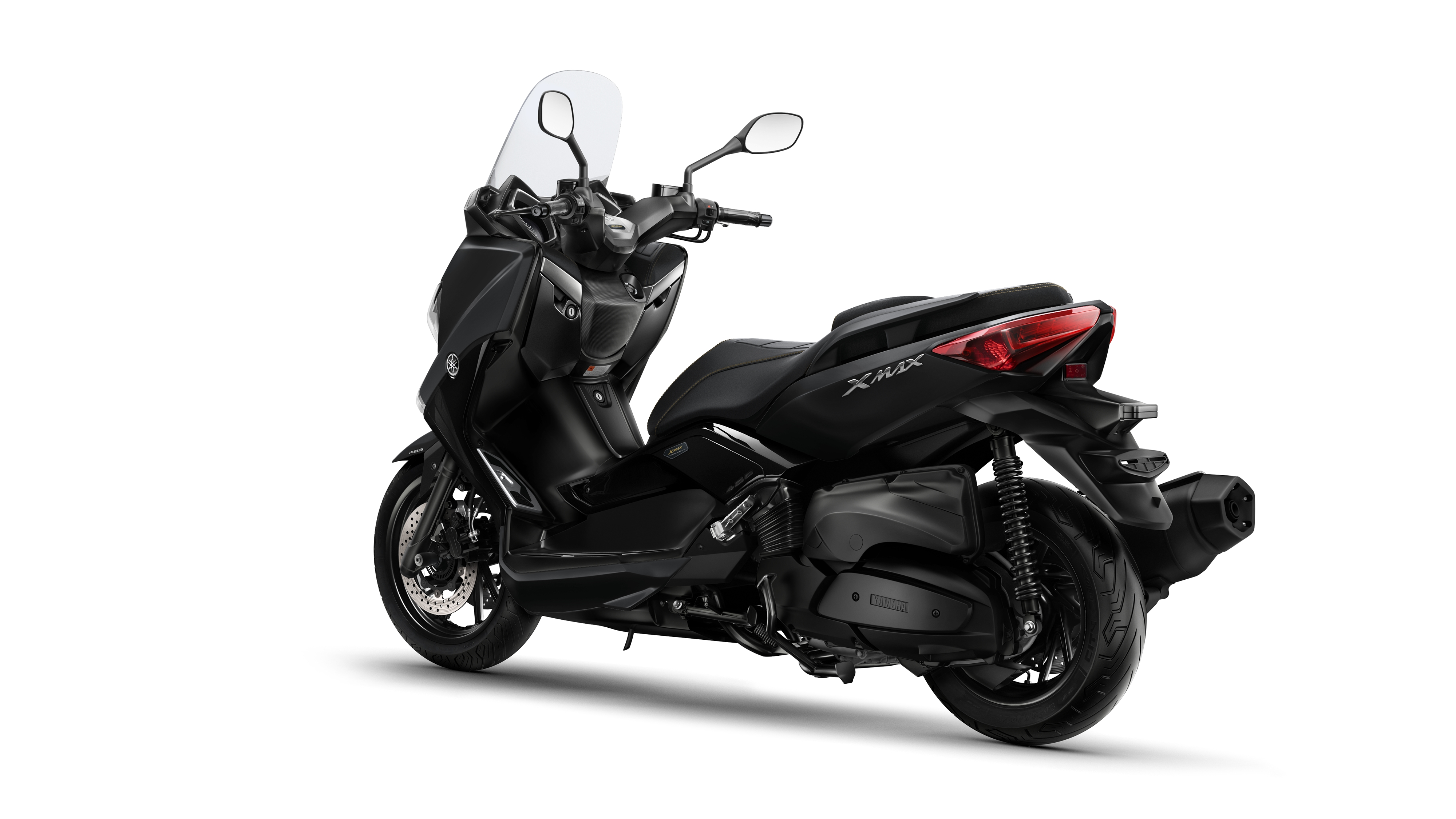 New X-MAX IRON MAX heads Yamaha scooter updates for 2016