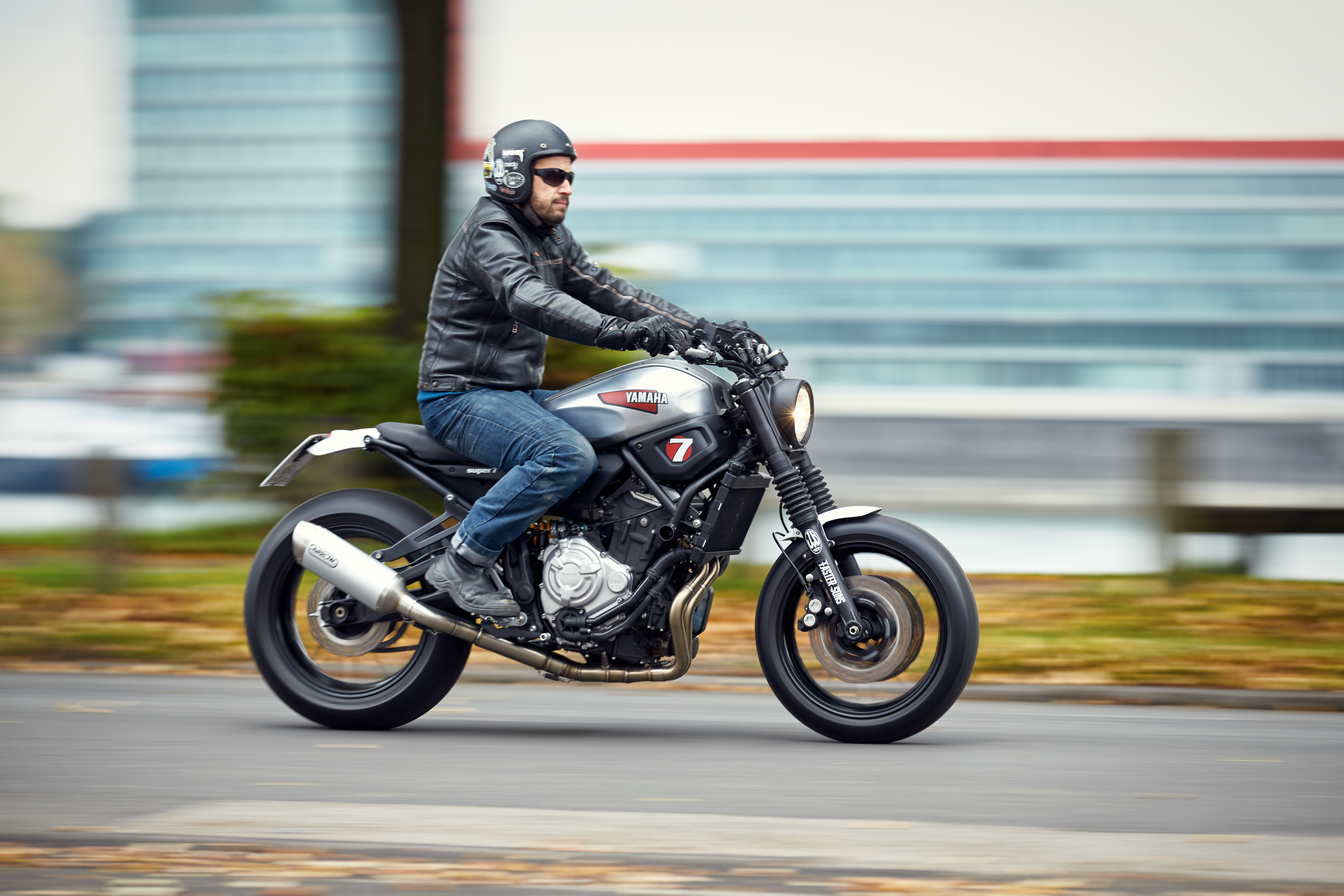 CLICK HERE TO CONTINUE READING OUR YAMAHA XSR700 REVIEW