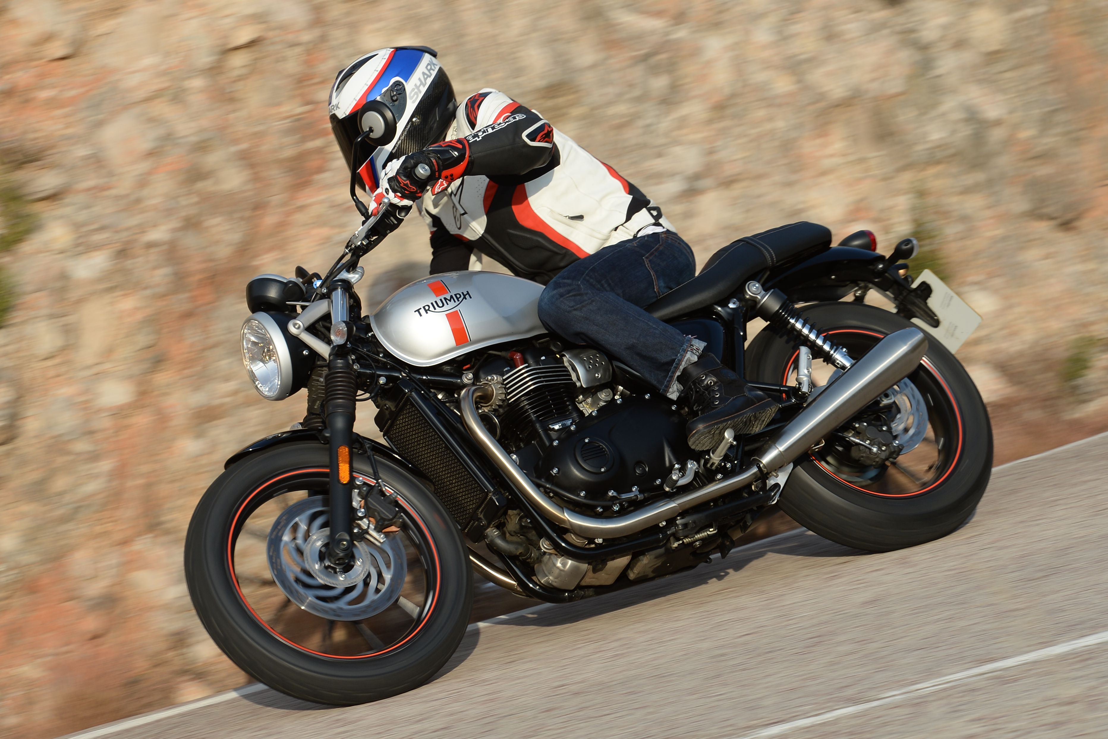 triumph street twin review with specs an | visordown