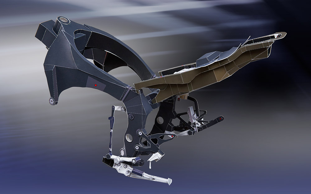 Download a free origami-style Yamaha R1M