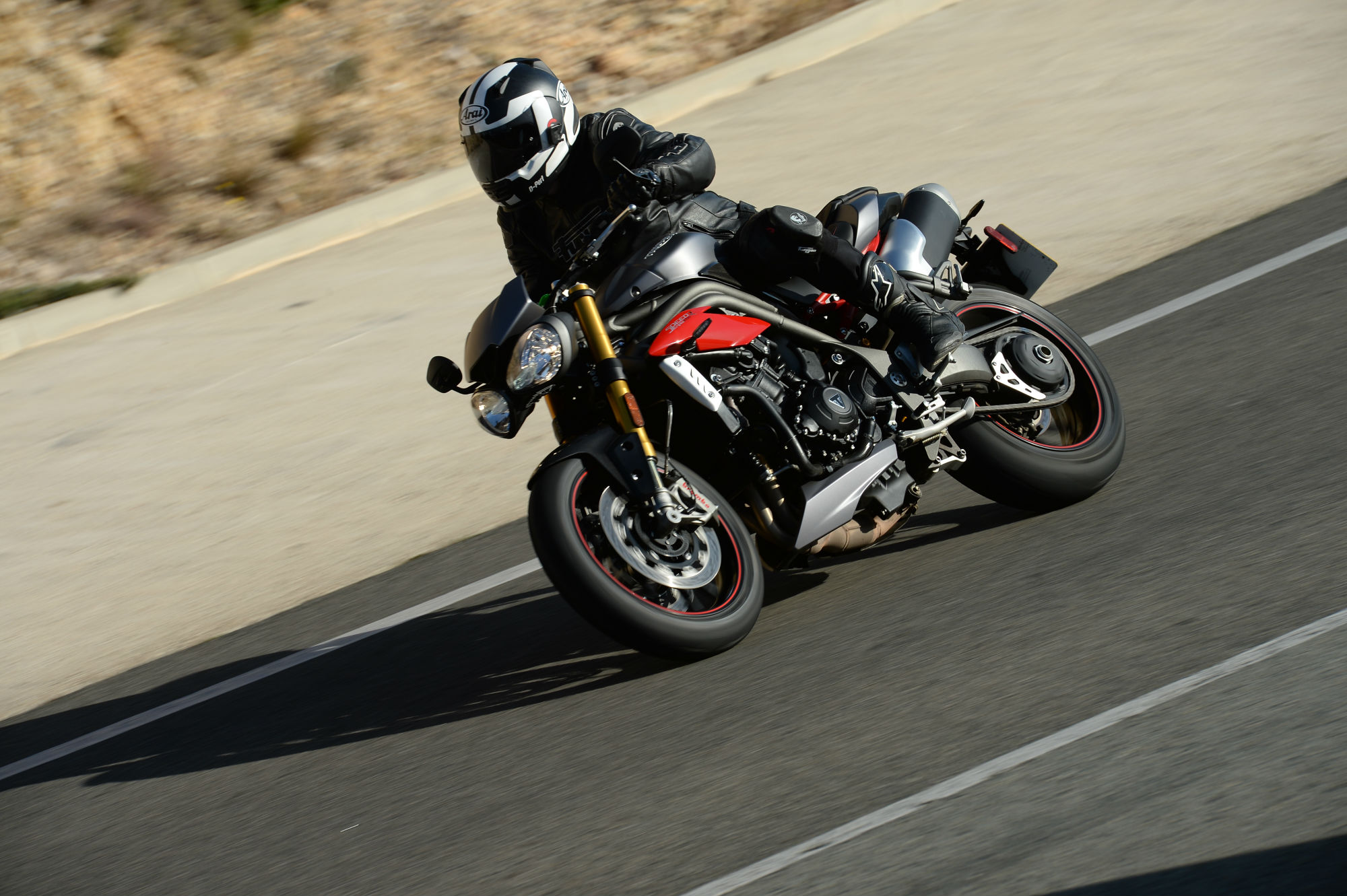 first ride: triumph speed triple r review | visordown