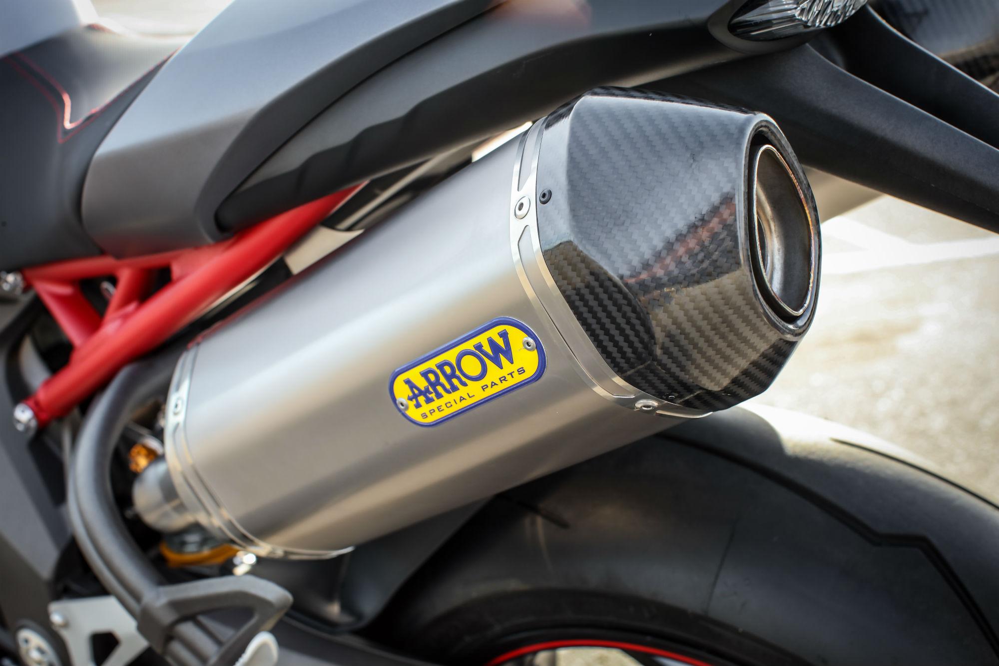 Brembo Brake Kit >> First ride: Triumph Speed Triple R review | Visordown