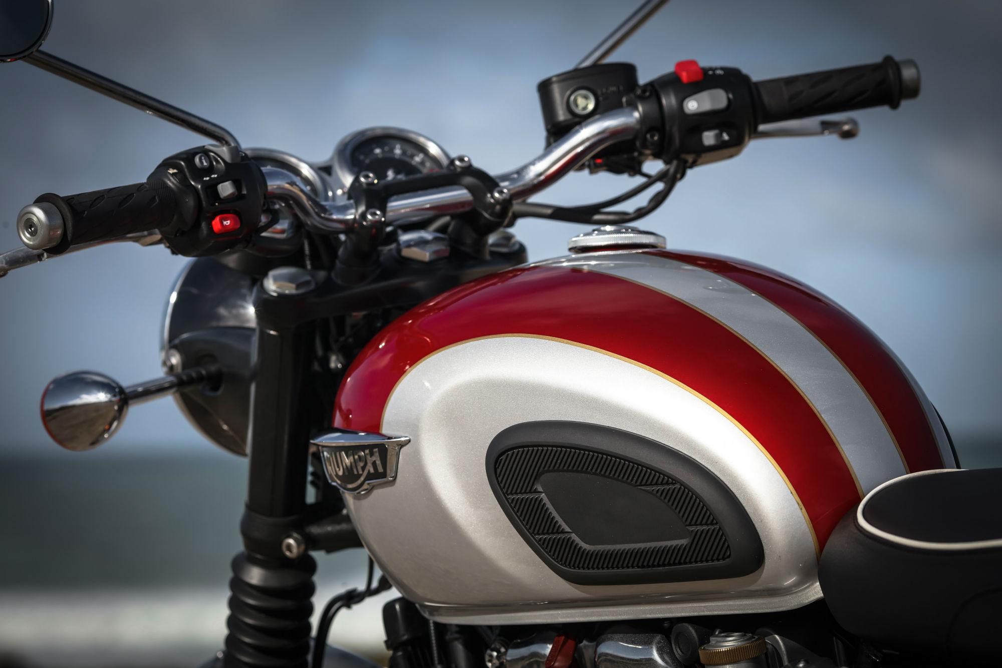 triumph bonneville t120 review with spec | visordown