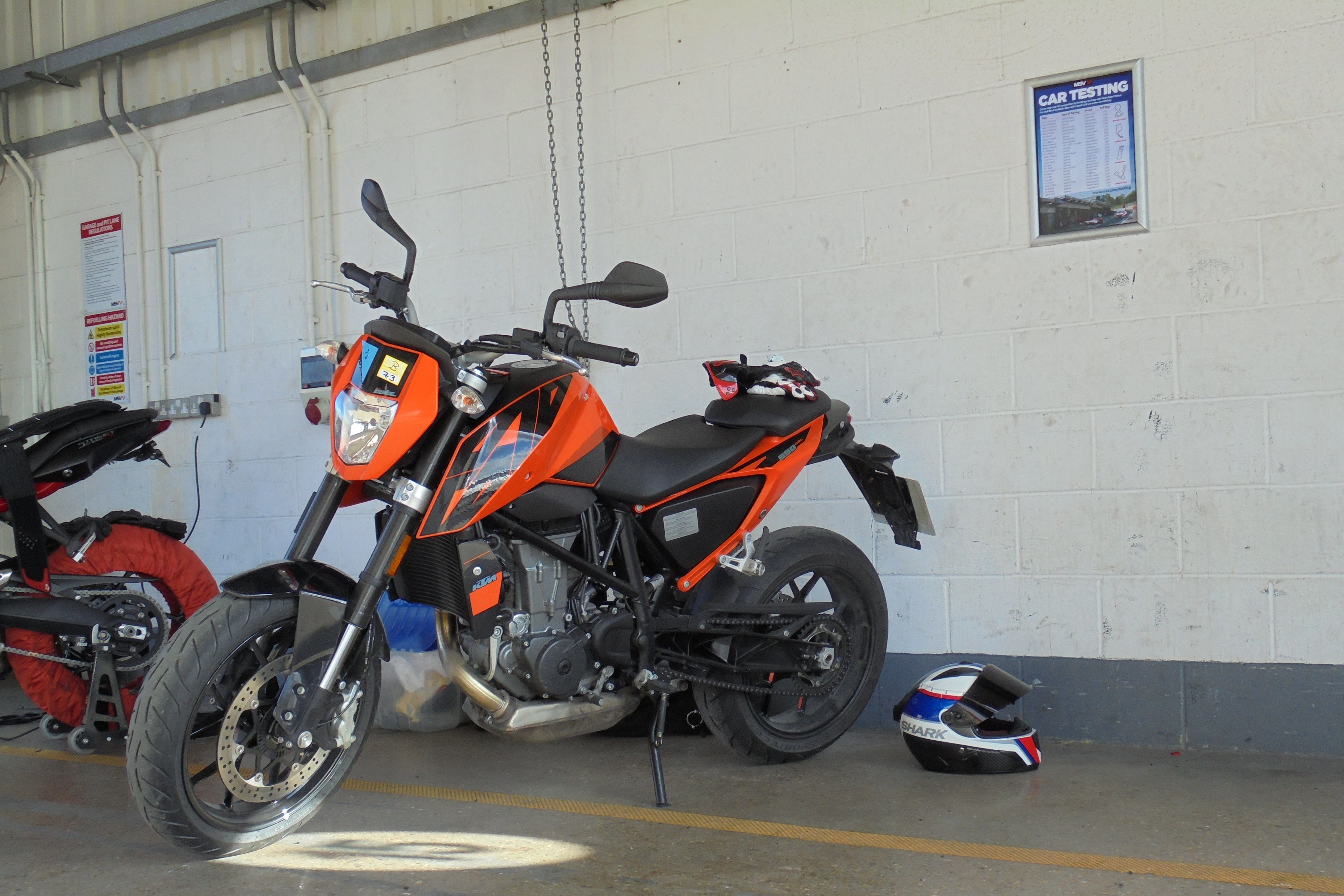 long term test update 2 ktm 690 duke visordown. Black Bedroom Furniture Sets. Home Design Ideas