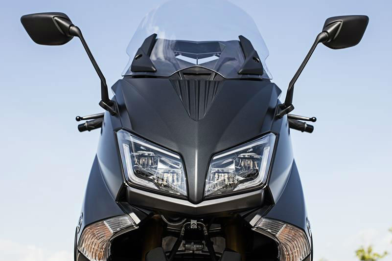 Yamaha TMAX SX and DX models planned