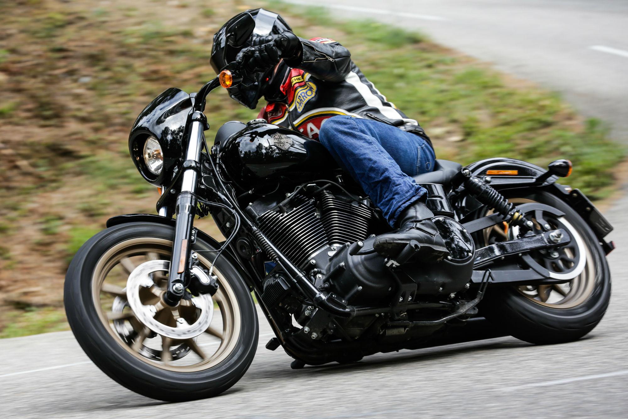 Harley Davidson: First Ride: Harley-Davidson Roadster And...