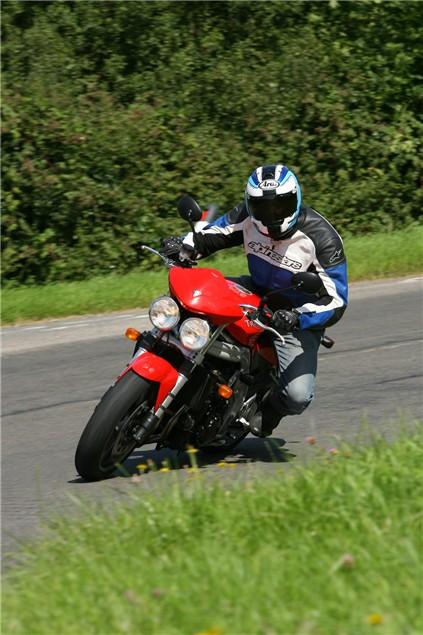 Triumph Speed Triple vs. Aprilia Tuono vs. Kawasaki Z1000