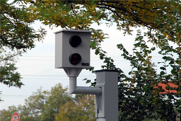 UK roads to get 'intelligent' speed cameras