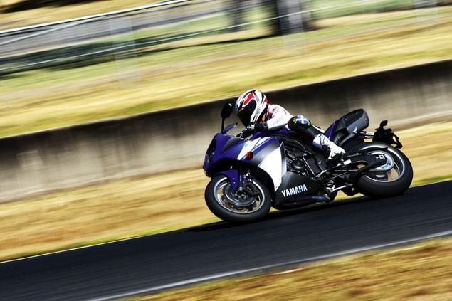2009 Yamaha R1 - Niall Mackenzie's big bang launch review