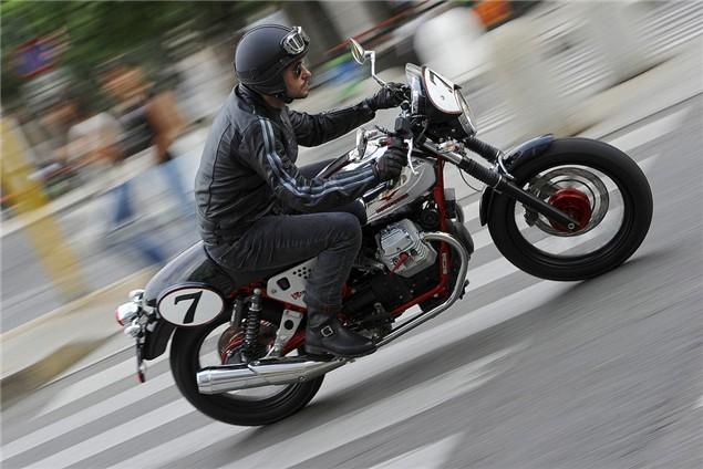 Video: 2011 Moto Guzzi V7 Racer