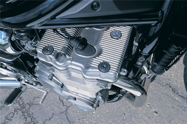 Splitting heirs: Suzuki GSF600 V GSF1200