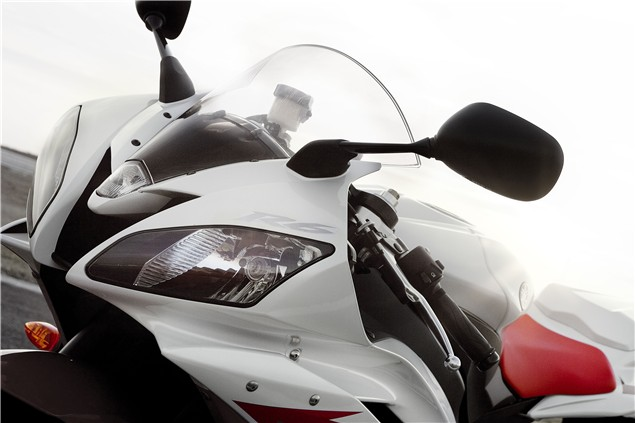 First Ride: 2006 Yamaha YZF-R6 review