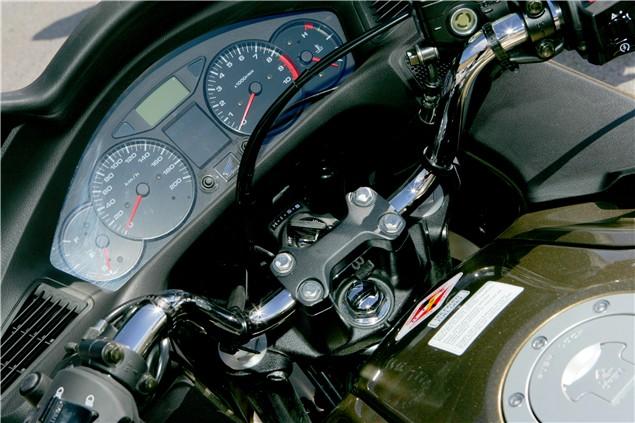 First Ride: 2006 Honda Deauville