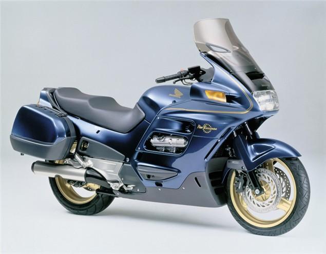 Niall's Spin: Honda Pan European ST1100 (2001-02)