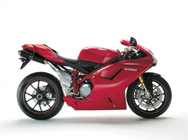 Ducati 916 - the bike, the legend