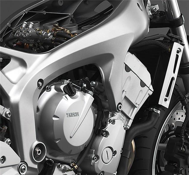 First Ride: 2004 Yamaha FZ6 Fazer