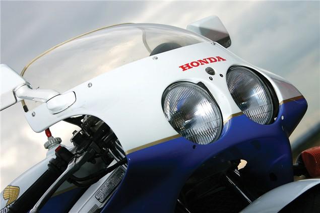 Class of '89: Honda RC30 V Ducati 851
