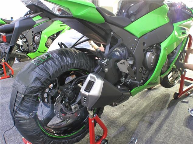 First Ride: 2011 Kawasaki ZX-10R