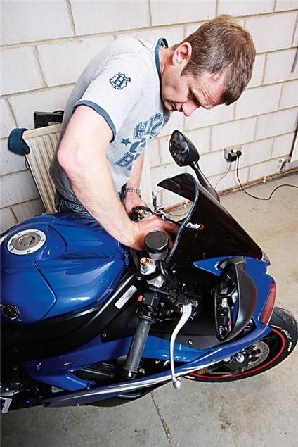 Adjusting the sag on your bike