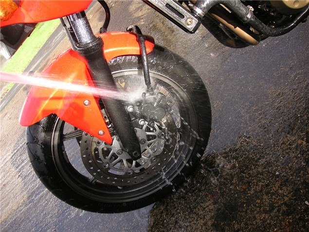 Eight steps for the perfect clean motorcycle