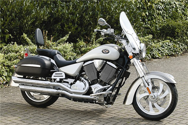 First Ride: 2004 Victory Kingpin